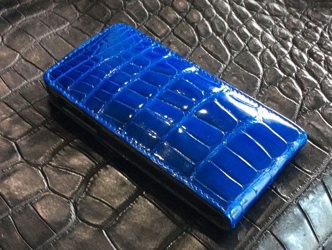 Funda tipo cartera de cuero de cocodrilo para iPhone color azul claro